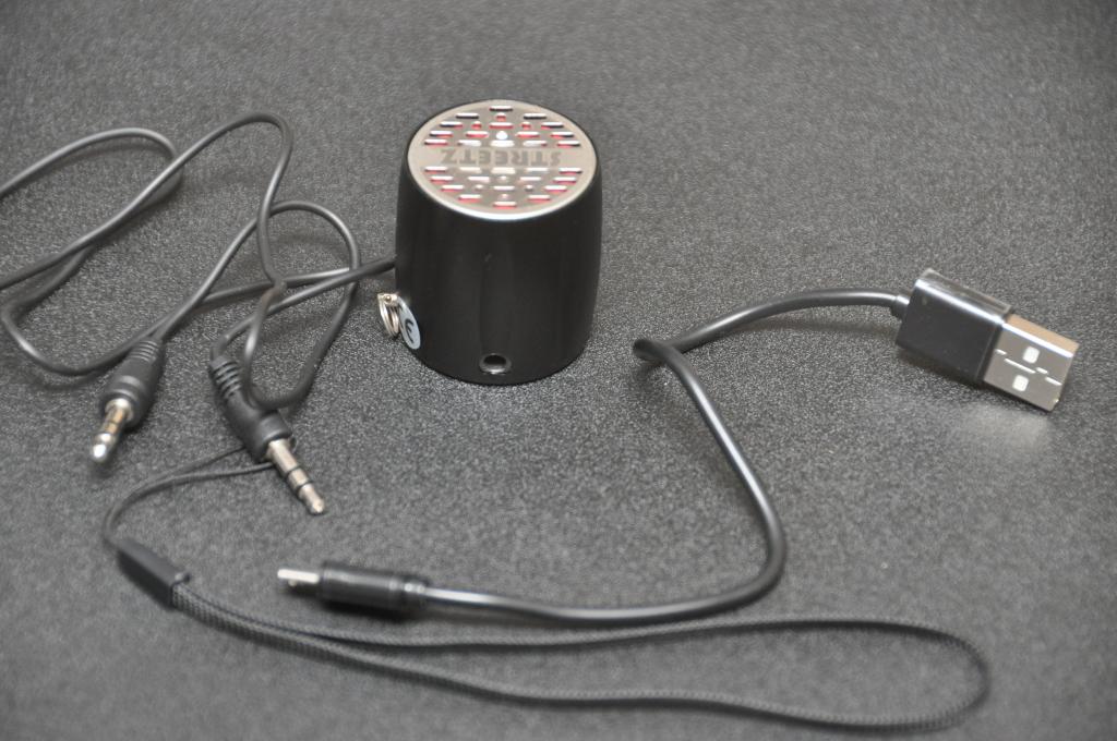 Minihögtalare med tillbehör