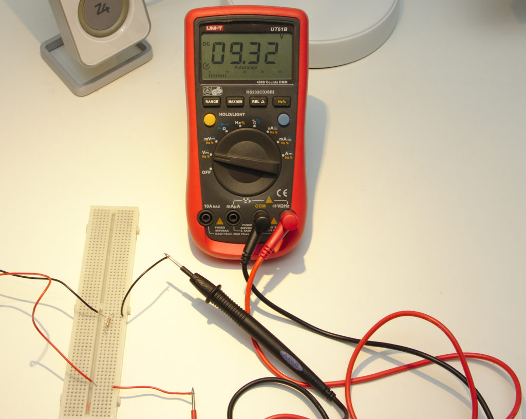 9,32 volt ger nätaggregatet
